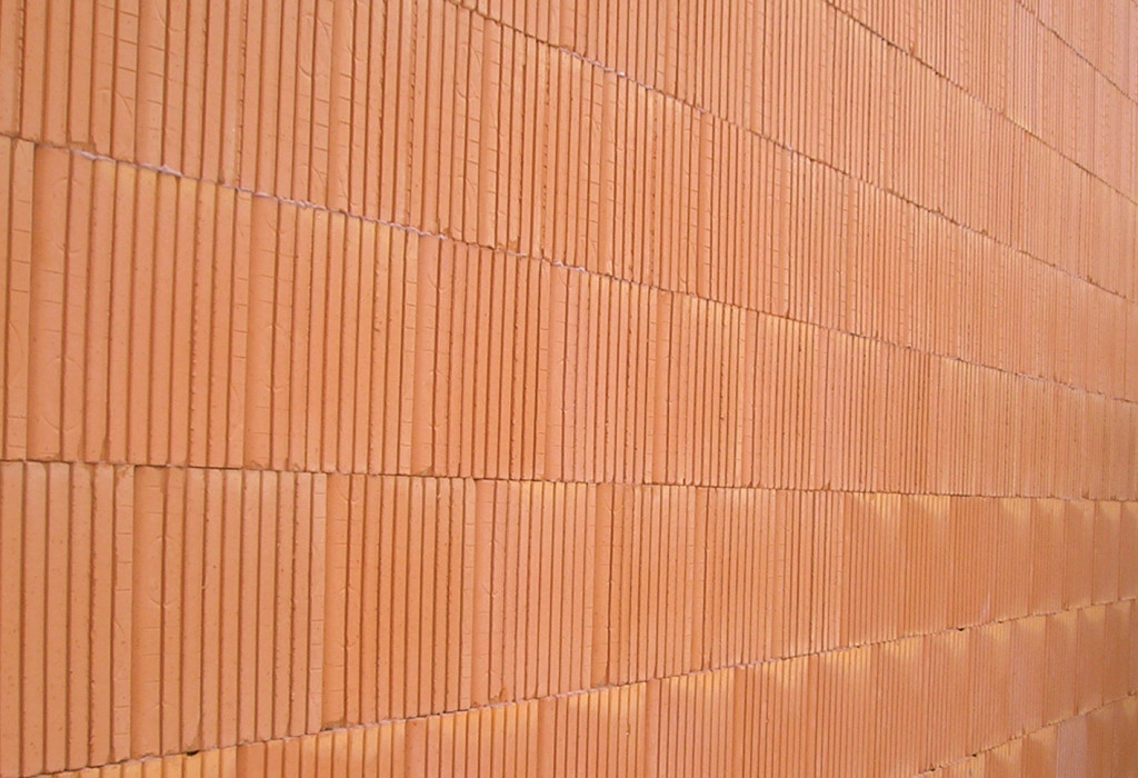 Jednolita ściana z ceramiki poryzowanej. Fot. Wienerberger