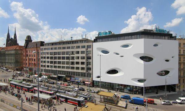 Futurystyczna fasada centrum handlowego Letmo w Brnie, Czechy. Fot. Sto