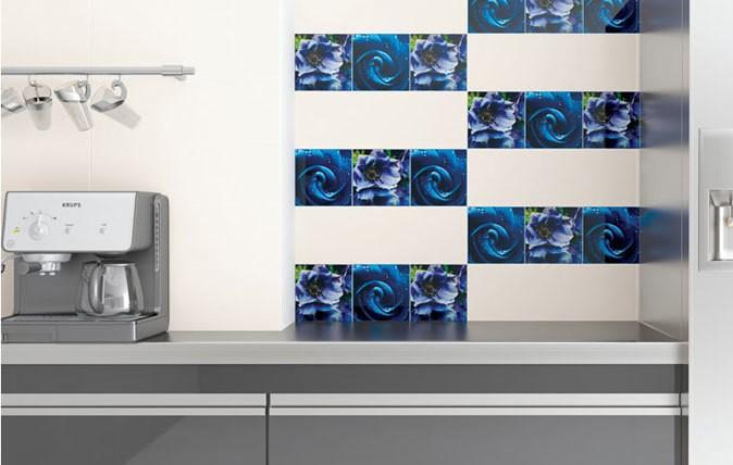 Szklane dekoracje ścienne z cyfrowym nadrukiem 20 x 20 cm.Fot. Ceramika Paradyż