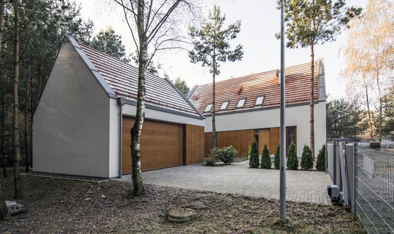 Wybierając tynk elewacyjny, należy kierować się w pierwszej kolejności sposobem ocieplenia budynku i jego usytuowaniem. Fot. Baumit