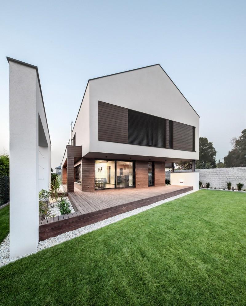 Wybierając tynk elewacyjny, należy kierować się w pierwszej kolejności sposobem ocieplenia budynku i jego usytuowaniem, dopiero później kolorem. Fot. Baumit