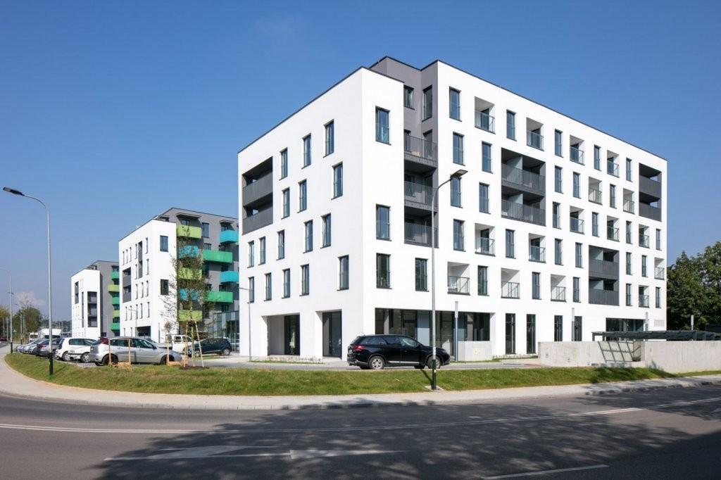 """Osiedle Czyżewskiego 1 w Krakowie – Fasada Roku 2018 w kategorii """"budynek wielorodzinny nowy"""". Fot. Baumit"""
