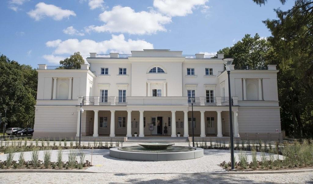 """Pałac w Jankowicach – Fasada Roku 2018  w kategorii """"budynek historyczny po renowacji"""". Fot. Baumit"""