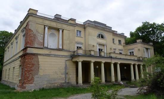 Pałac w Jankowicach przed renowacją. Fot. Baumit